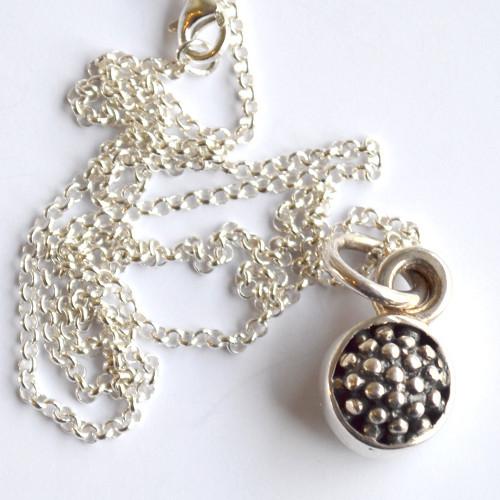 MY148 Raspberry Drop pendant necklace