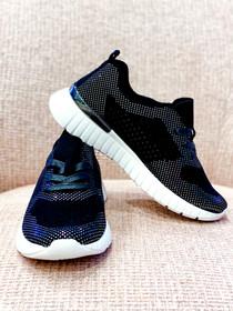 Tulip Sneaker- Black