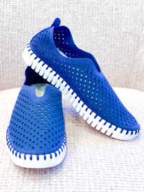 Tulip Slip-On Shoe- Navy