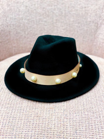 Black Hat- Pearl