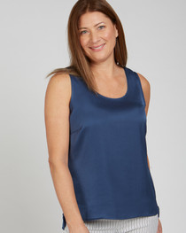 Sleeveless Air Flow Tank- Navy