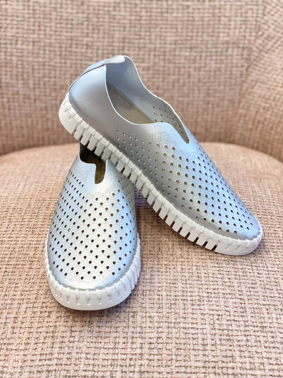 Tulip Slip-On Shoe- Silver