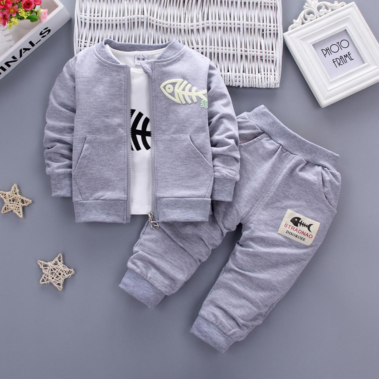 071ea41e4 2017 New Autumn Baby Girls Boys Minion Suits Infant/Newborn Clothes Sets  Kids Coat+ ...