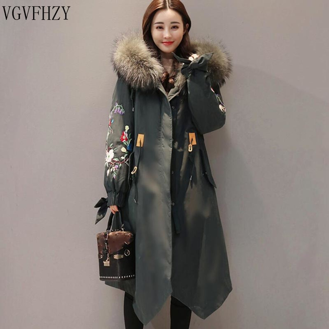 dbc9e8e69fb41 Winter Jacket Women 2018 Large Fur collar Hooded Down Jacket Thick Warm  Loose Female Parkas embroidery ...