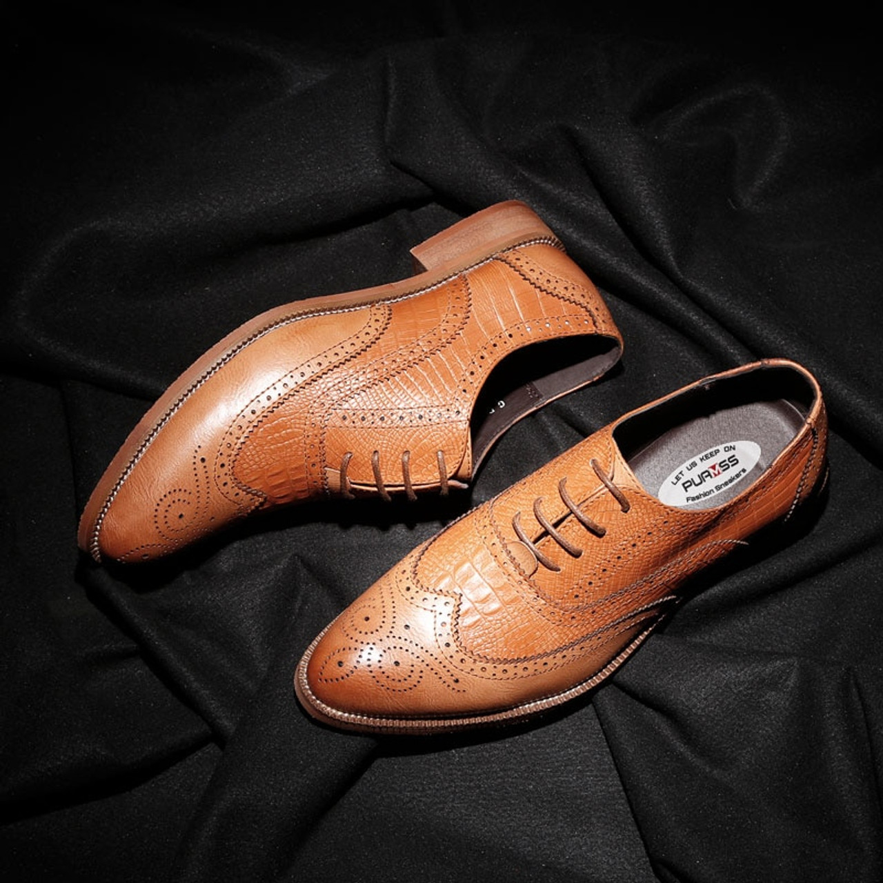 ... 2018 New Men Dress Shoes Handmade British Brogue Style Paty Leather  Wedding Shoes Men Flats Leather ... 0bf166c0a65d