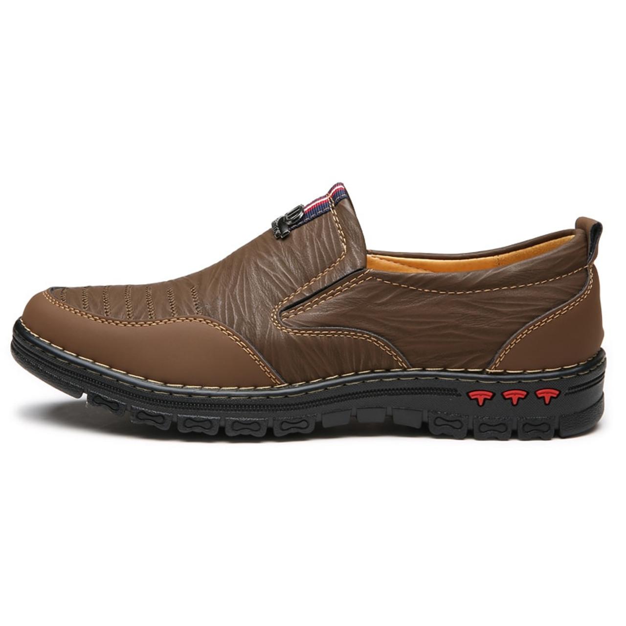 ... 2018 Spring Split Leather Casual Shoes Men Loafers Slip-On Men Shoes  Flats Comfortable Men ... 9e295630ede0