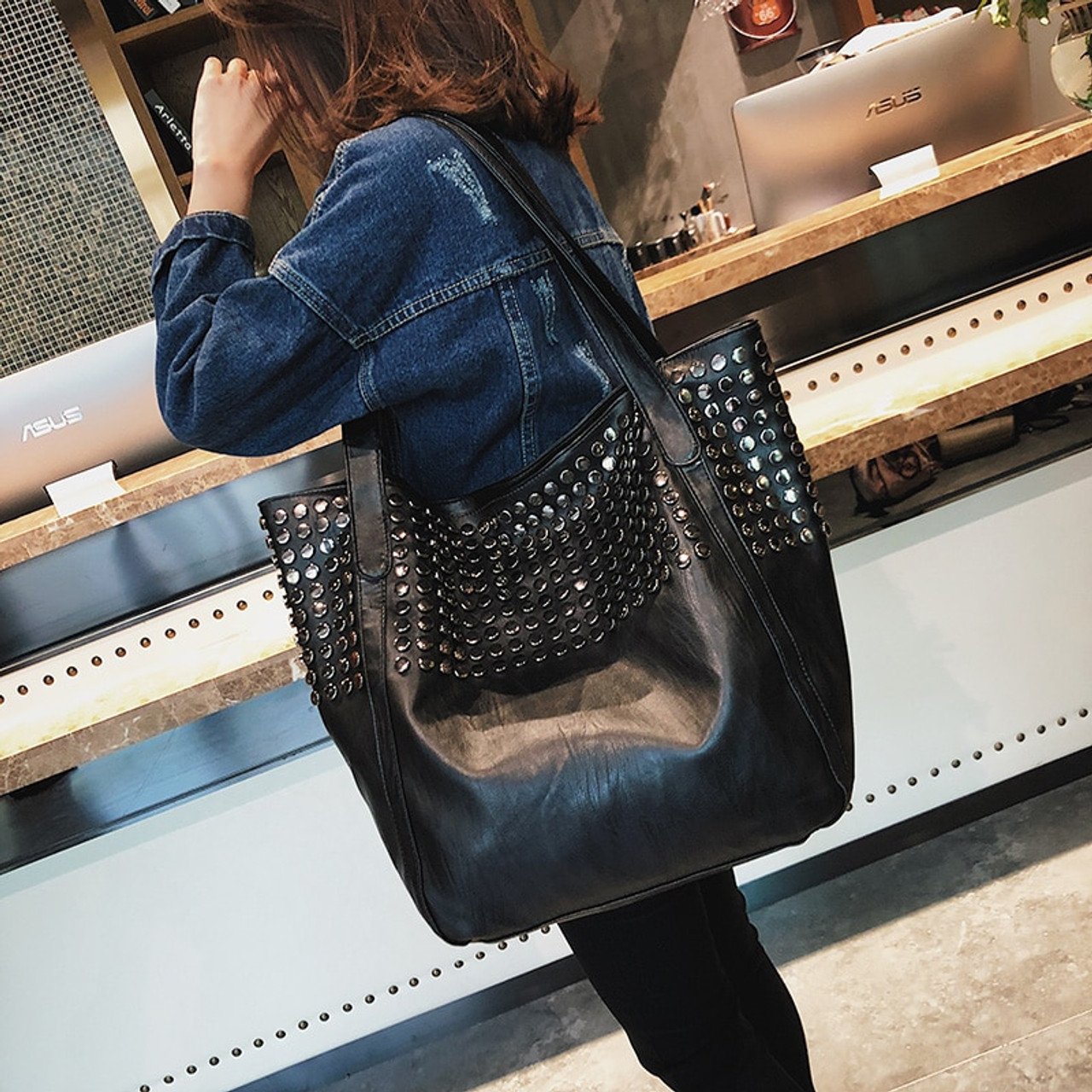 Celebrity Big Bag for Women 2018 Summer Shopper Bag Tote Rivet Large  Capacity Soft Leather Casual Black Handbag Ladies Sling Bag -  OnshopDeals.Com 864440a77cca4