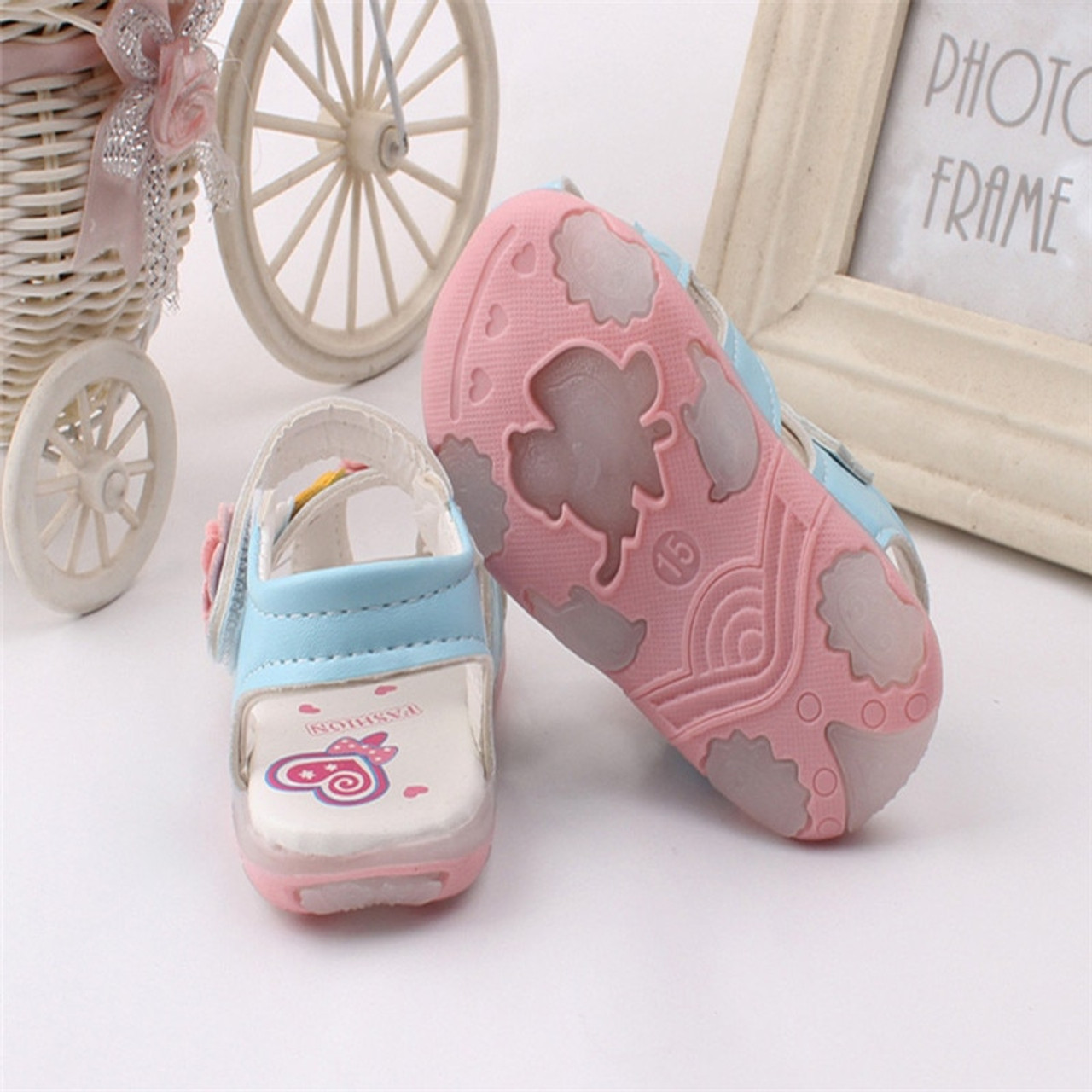 424c0ac2a ... Princess Sandals for Baby Girls New Flowers LED Light Luminous Sandals  Girls Soft-Soled Glowing ...