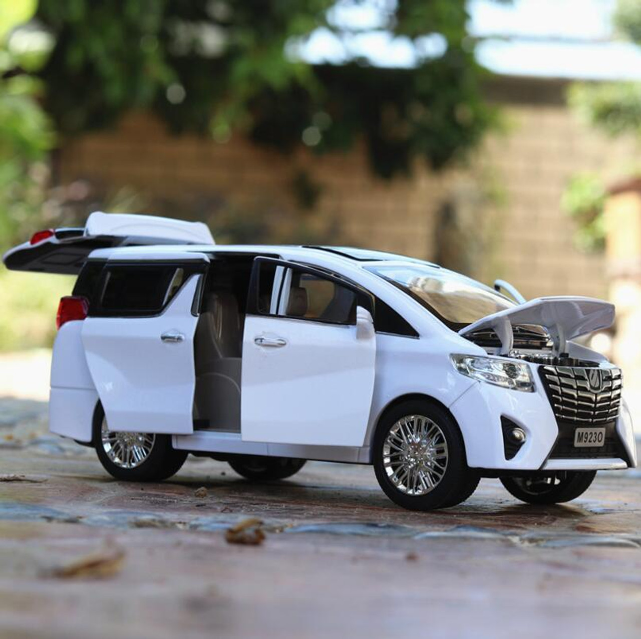 1 24 Toy Car Excellent Quality Toyota Alphard With Box Car Toy Alloy