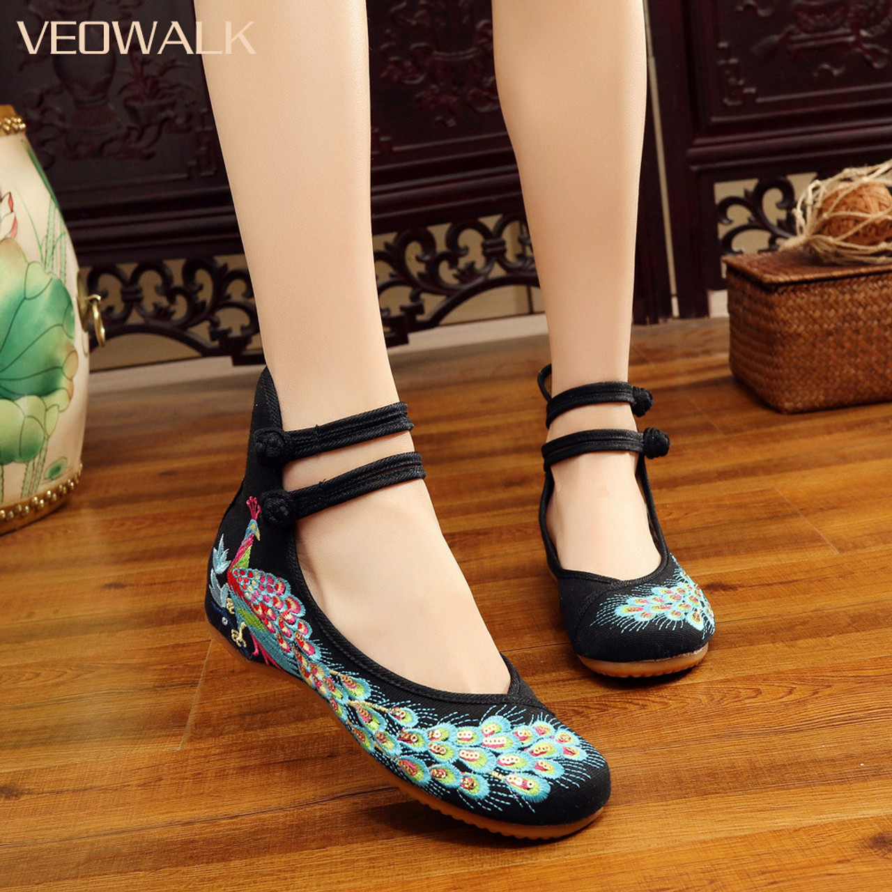4e5c8bf888298 Veowalk Spring Handmade Woman Ballet Flats Shoes Sequined Peacock  Embroidery Shoes Women Old Peking Casual Cloth Dancing Shoes