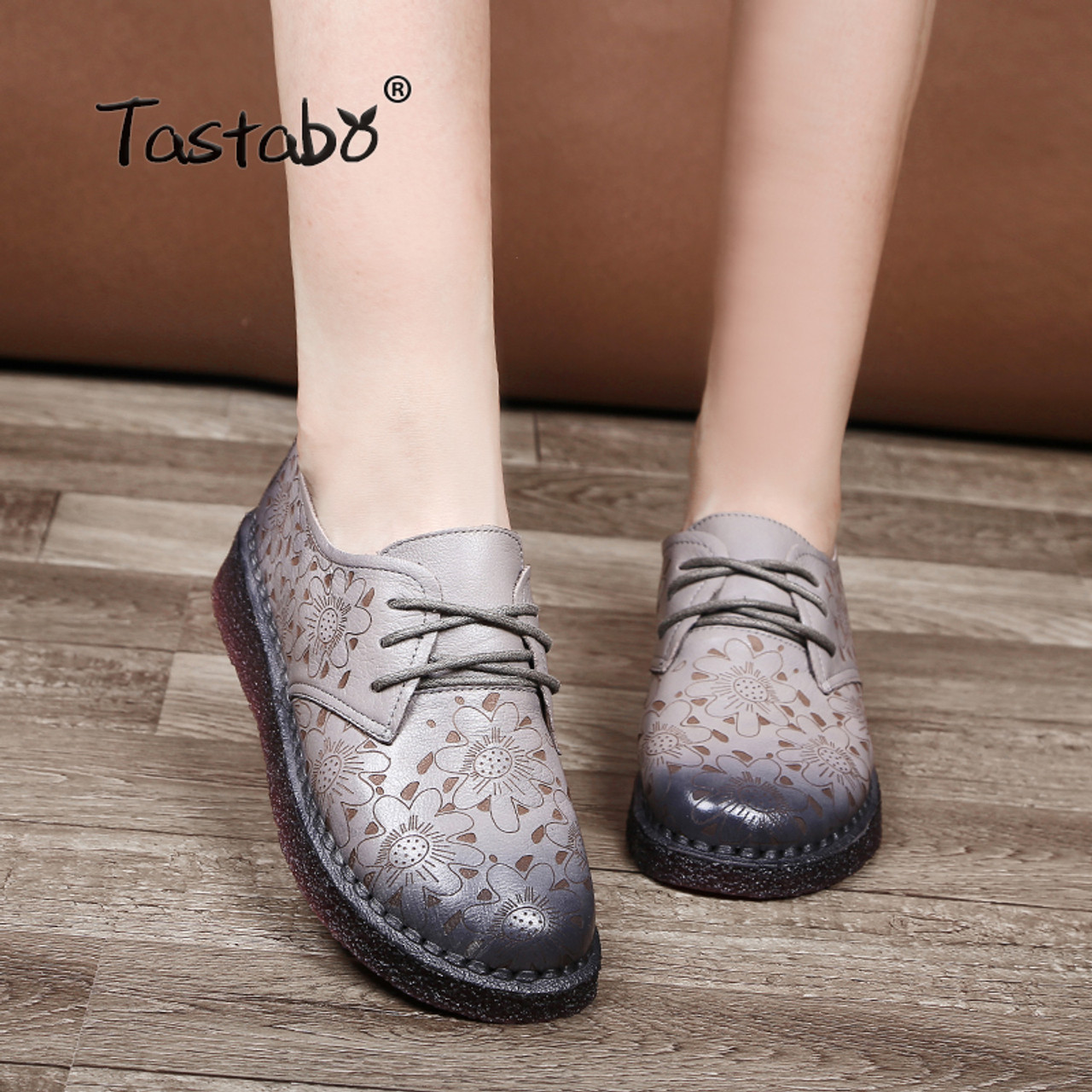 cc1ff1520a Tastabo Print Flower Flat Shoe Pregnant Women Shoe Mother Driving Shoe  Female Moccasins Women Flats Hand ...