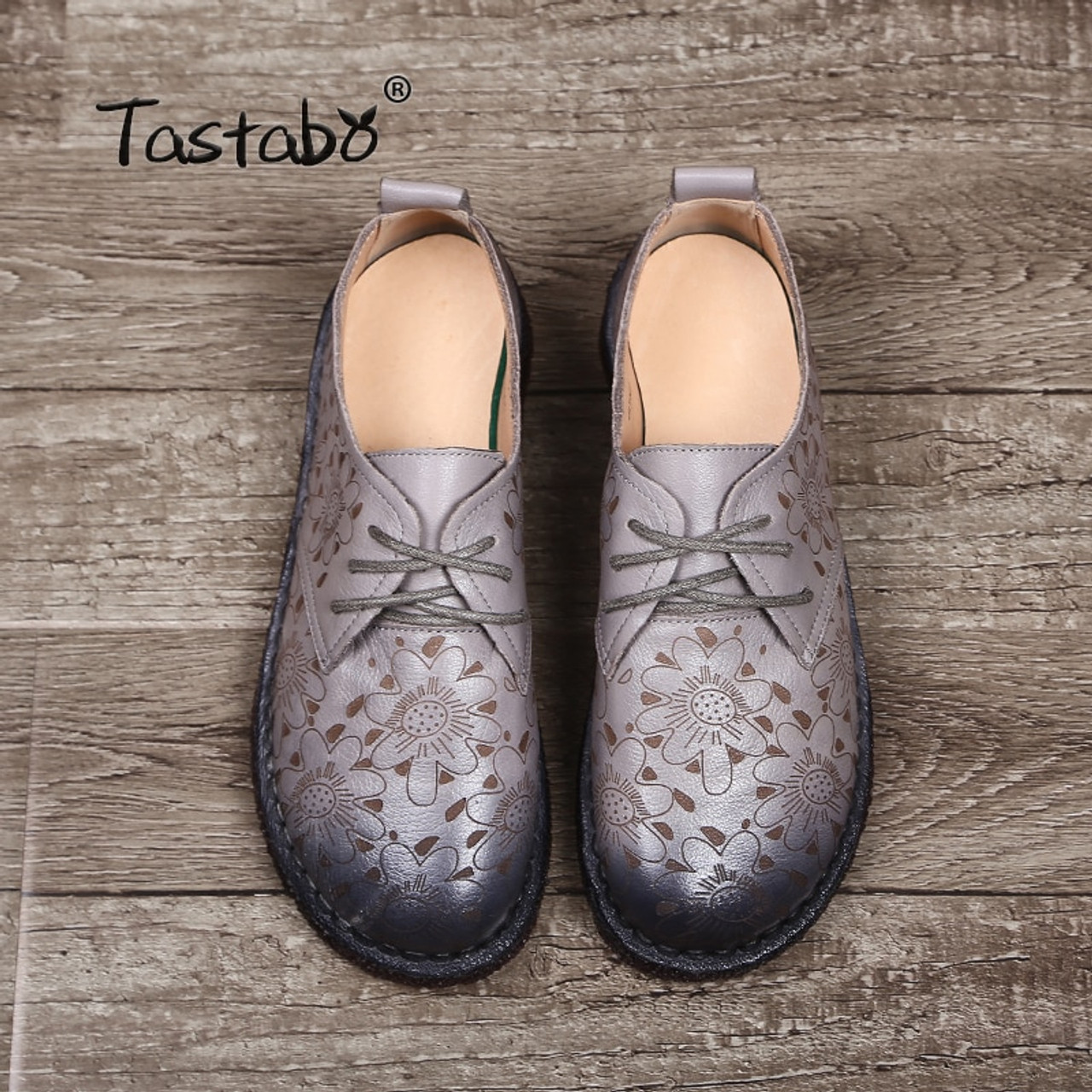 8a0856a44f ... Tastabo Print Flower Flat Shoe Pregnant Women Shoe Mother Driving Shoe  Female Moccasins Women Flats Hand ...