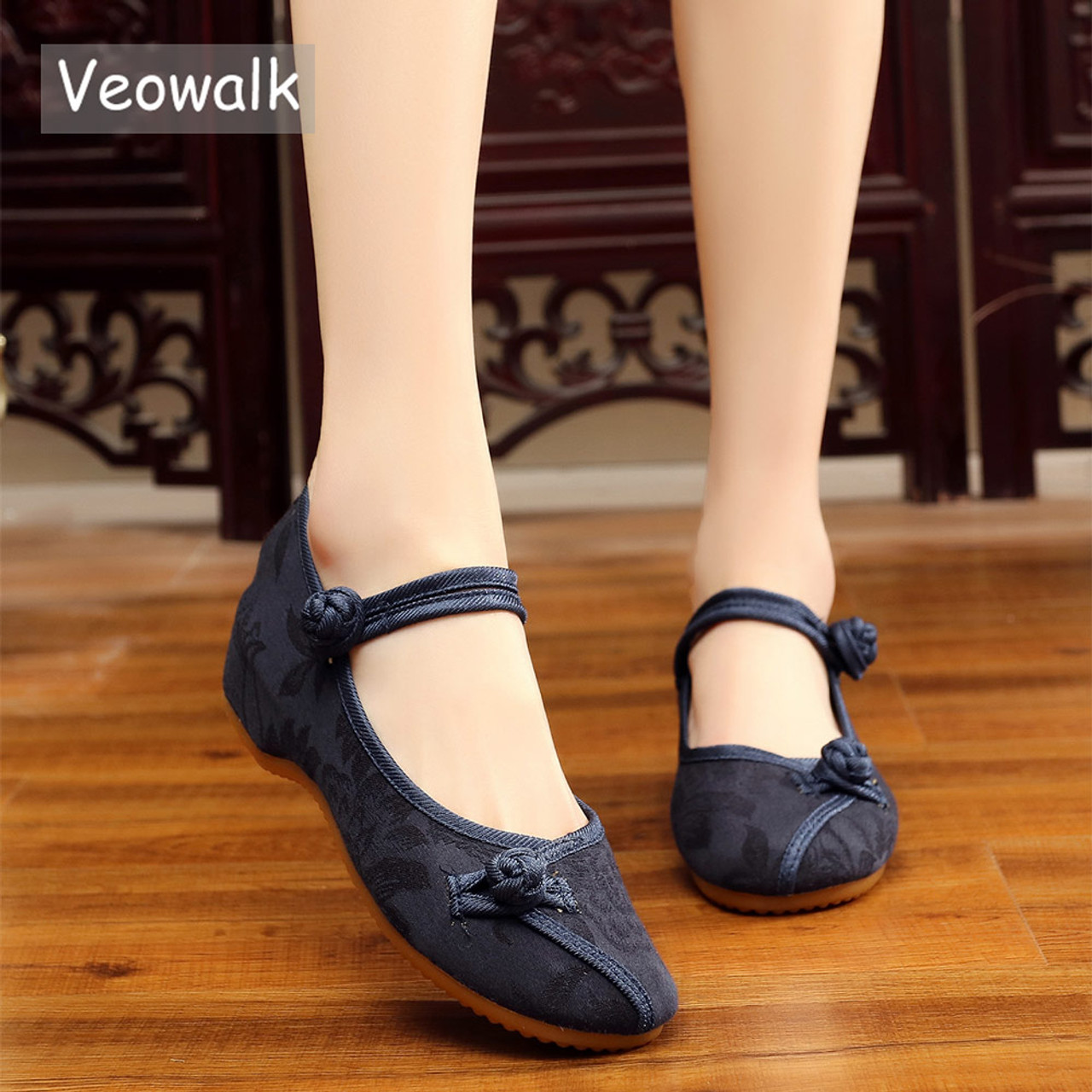 1166e5460a1eb Veowalk Chinese Classic Style Women Cotton Fabric Embroidered Ballet Flats  Elegant Ladies Casual Comfort Canvas Walking Shoes