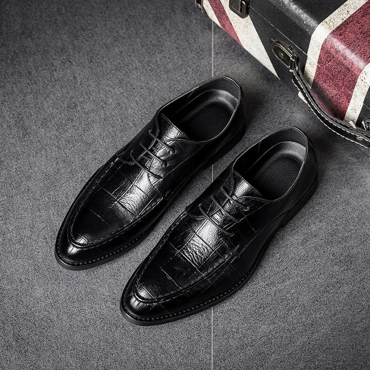 5f30c8b2137 2018 Ltalian Luxury Designer Formal Mens Dress Shoes Genuine Leather Black  Basic Flats For Men Wedding ...