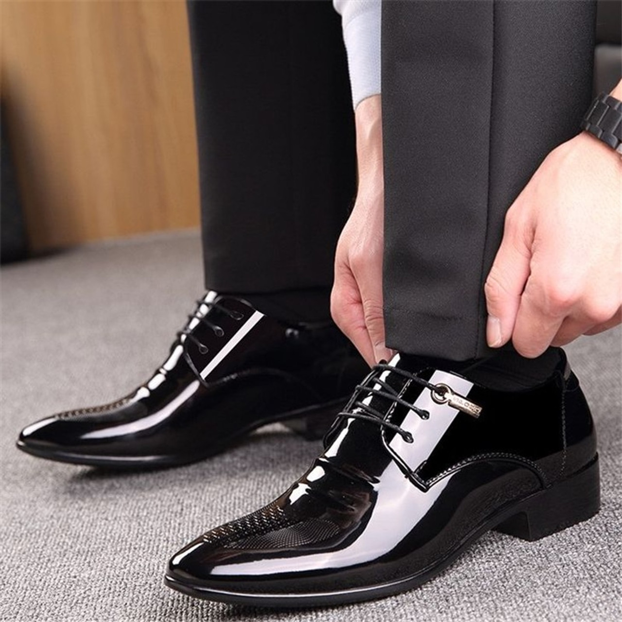 Mens Wedding Shoes.Black Designer Formal Oxford Shoes For Men Wedding Shoes Leather Italy Pointed Toe Mens Dress Shoes 2018 Sapato Oxford Masculino