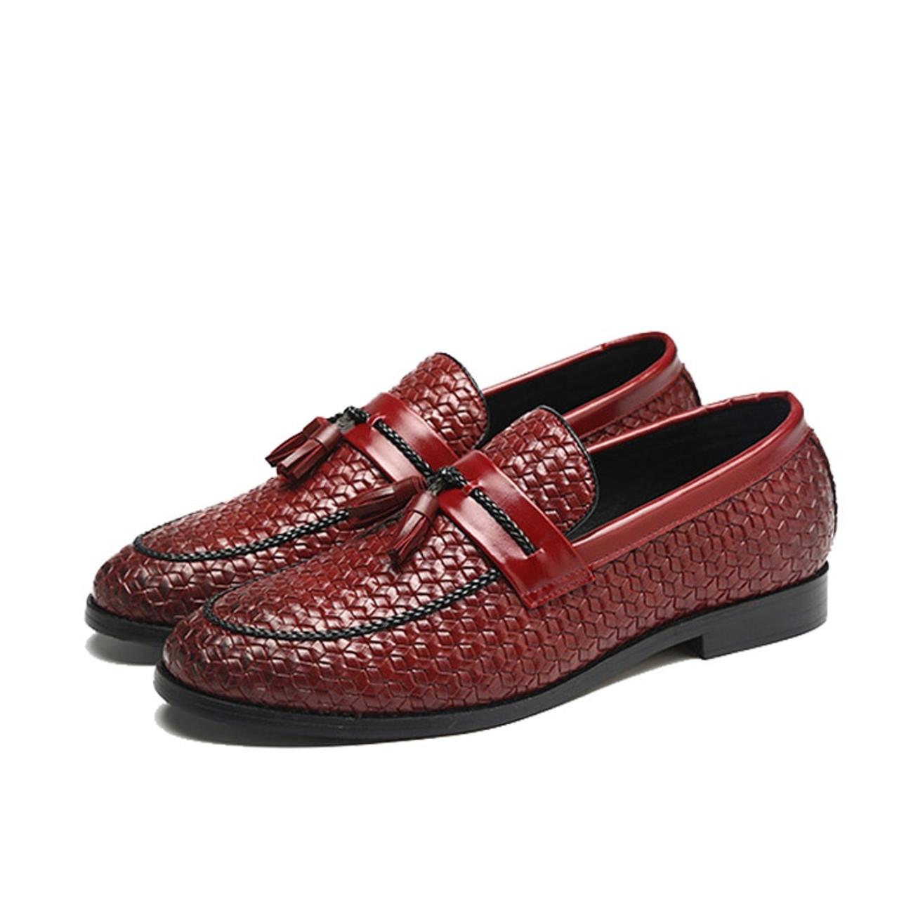 06a96ccf7c5 ... NPEZKGC Brand Men Shoes 2018 New Breathable Comfortable Men Loafers  Luxury Tassel Weave Men s Flats Men ...