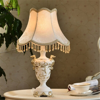 Nordic modern Table Lamp French Creative Simple luminaire Bedroom Bedside Lamps Table Living Room Resin Home Deco Fixtures