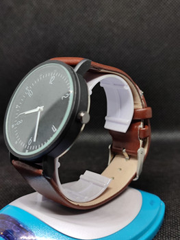 New Fashion Black Brown 2021 Men's Simple Style Men's Women Watch Fashion Men Wristwatch Fashionable casual Watches