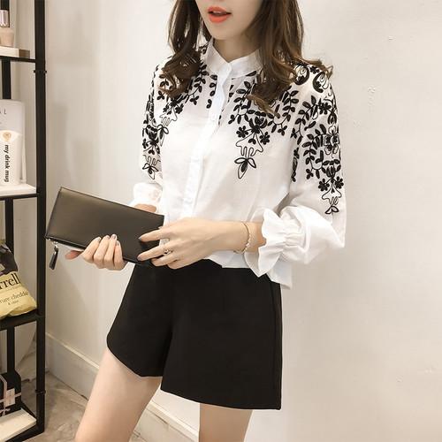 2018 Fashion Female Clothing Embroidery Blouse Shirt Cotton Korean Flower Embroidered Tops Korean Style Fresh shirt 529E 25