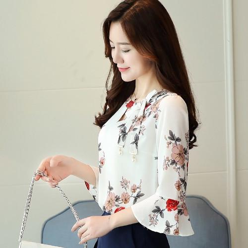 2017 New Summer Autumn Blouse Women Tops Floral Print Shirts Elegant Three Quarter Flare Sleeves Chiffon Blusas Femininas