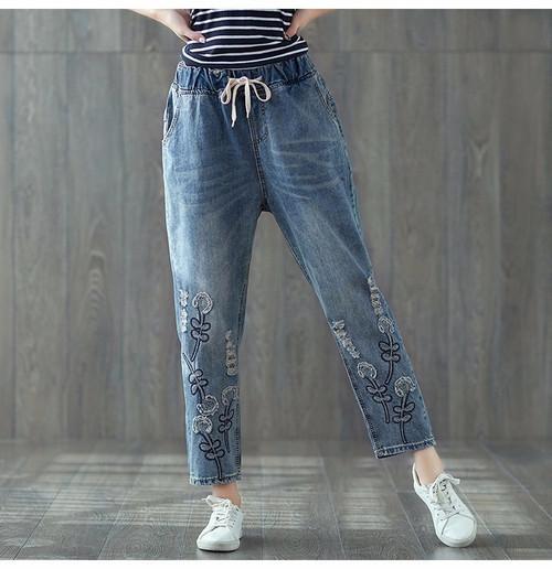 [EWQ] New Summer 2018 FashionHole Embroidery Elastic Waist Drawstring Jeans big Size loose denim Pants women QD162