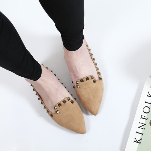 2018 European fashion Rivet beautiful adult flats high quality nice casual women shoes elegant slip on pointed toe shoes woman