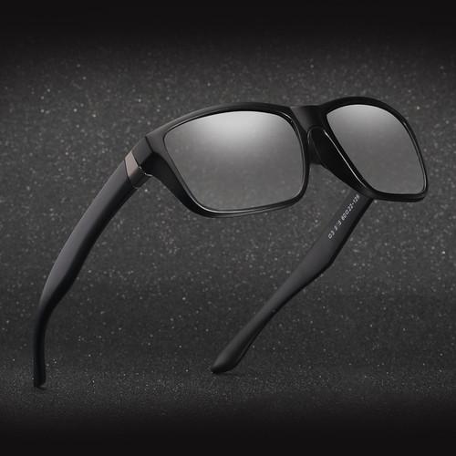 2018 new Men Driving Photochromic sunglasses Men Polarized Chameleon Discoloration Sun glasses Leisure square sunglasses