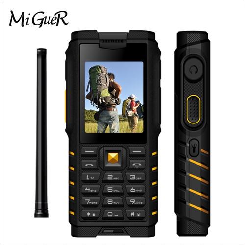 Ioutdoor T2 Walkie Talkie IP68 Waterproof Shockproof Phone 2.4 Inch 4500mAh Powerbank Flashlight 2G Smartphone