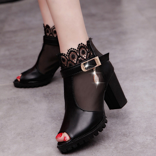 The new Korean lace yarn fish mouth shoes, breathable shoes high-heeled sandals shoes in Rome