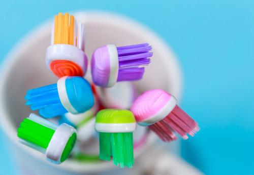 Harris Teeter Toothbrush Soft Regular (1 package-4 Tooth Brush )4PSC