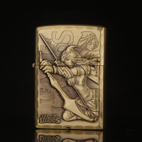 Free shipping Cigarette Accessories Portable bronze color oil lighter Cheaper Emboss Network game characters Kerosene lighters
