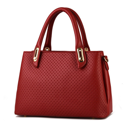 New Female Bag In Europe and The Stereotyped Fashion Female Bag Worn One Shoulder Bag
