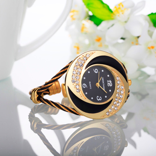 2017 Diamond Quartz Watches Women Luxury Brand Dress Watch Ladies Fashion Pink Colorful Watches Casual Style Wristwatch Female