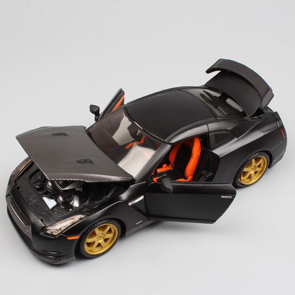 1:24 Scale mini Maisto 2009 Nissan GTR Skyline GT-R super sports auto turbo R35 racing coupe vehicle diecast model toy black boy