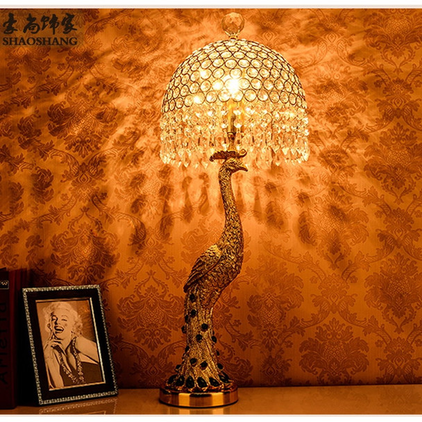 Fashion noble golden rezin peacock table lamp home deco bedroom bedside green crystal E27 bulb ceiling light