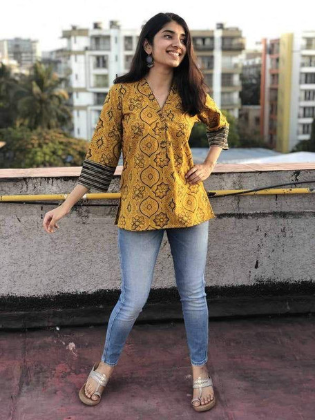 New 2021 Presenting Beautiful Western Top Wooden button, & beautiful sleeve-Top-Yellow-Size-L