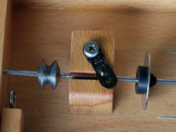 Charkha spindle with new yarn stop