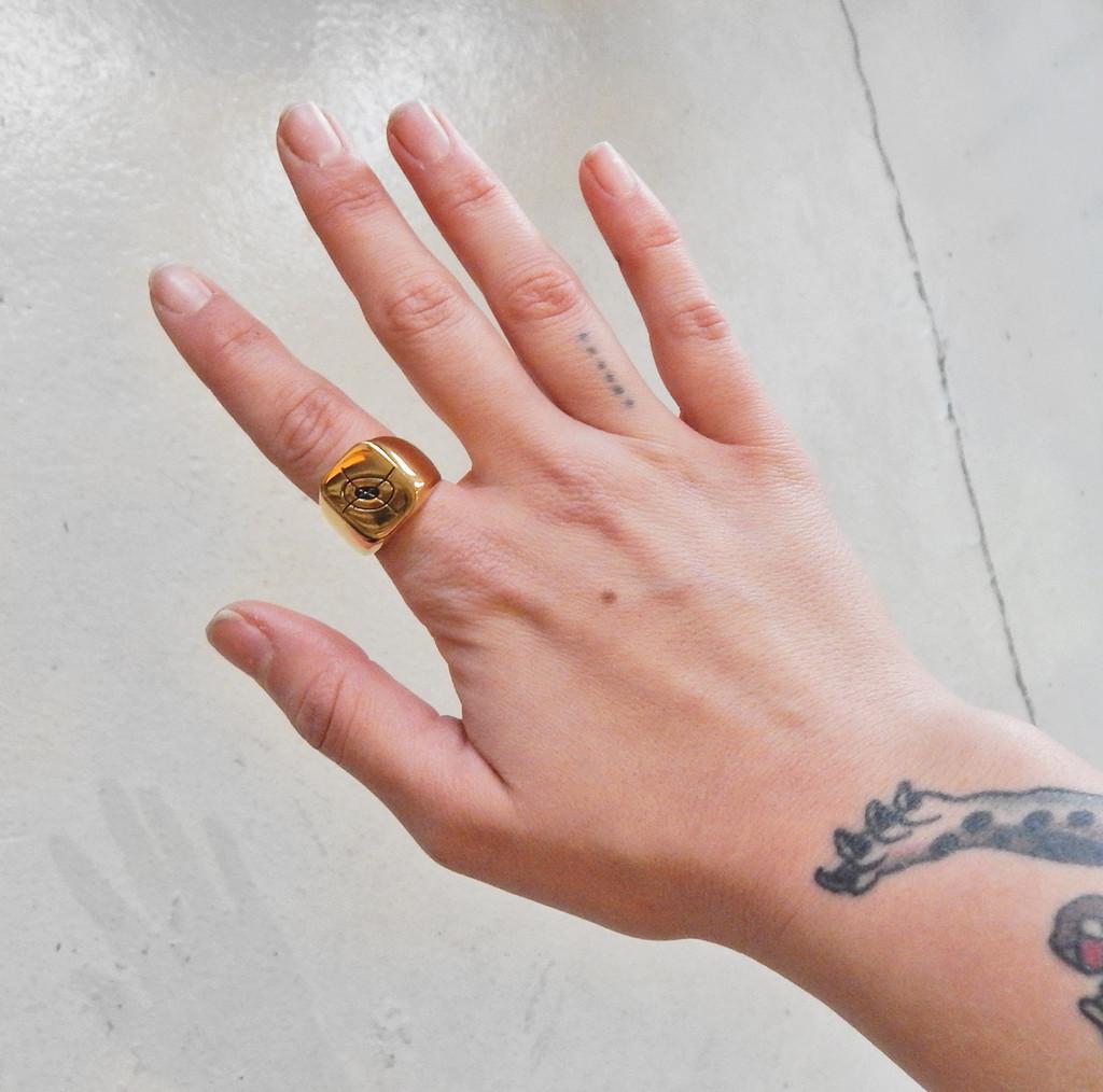 Wavering Crosshair Unisex Ring