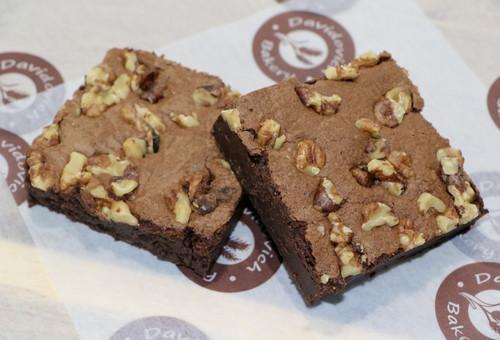 2 Walnut Brownies