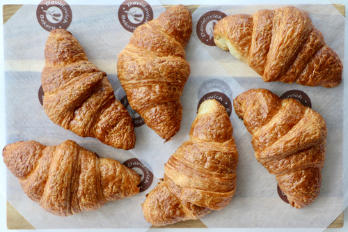 Medium French Croissants 6 Pieces
