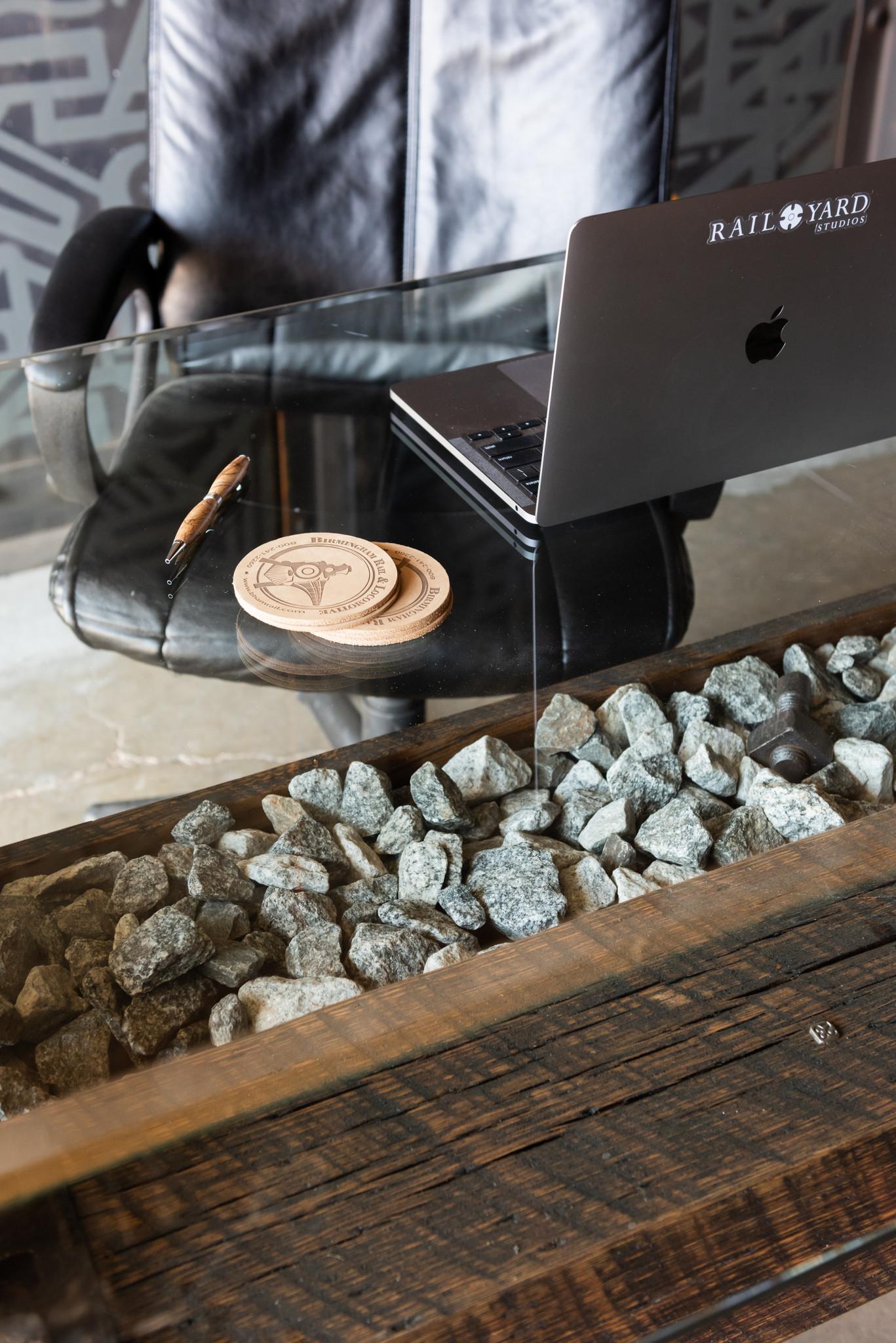 Master Bridge Builder's Ballast Deck Desk (No. 23)