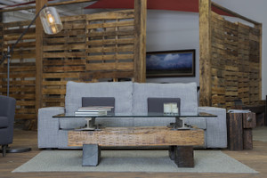 industrial-chic-coffe-table-warehouse-interior-design-raw-wood-sustainable-green-reclaimed-repurposed-reused-steel