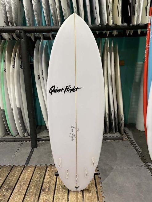5'9 QUIET FLIGHT DOUBLE AGENT SURFBOARD (60128)