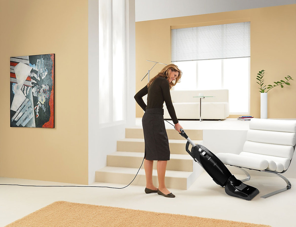 Miele Maverick U1 Dynamic Upright Vacuum Cleaner w/ FREE Overnight Delivery!