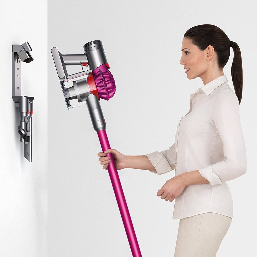 Dyson V7 Motorhead Cordless Vacuum Cleaner w/ Free Genuine Mattress Tool ($29.99 Value)
