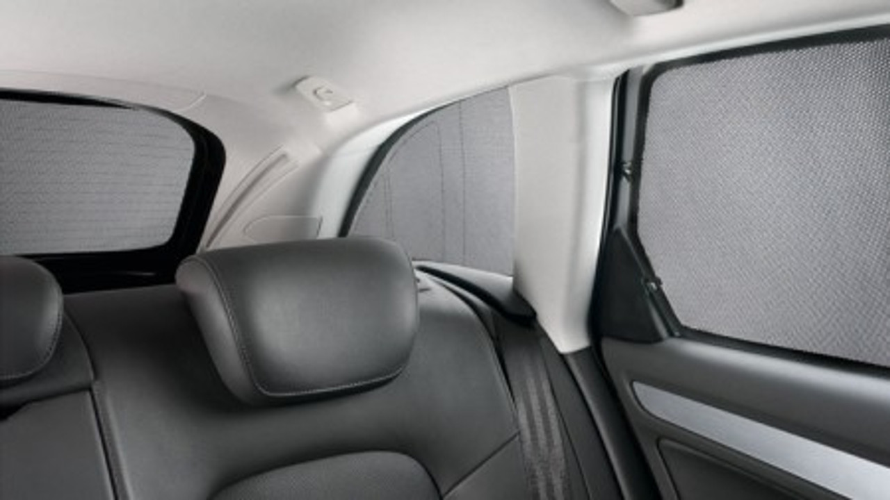 Audi Q5 Rear Door Windows Sunblind System