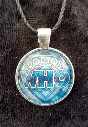 Doctor Who Classic Logo (dome necklace)