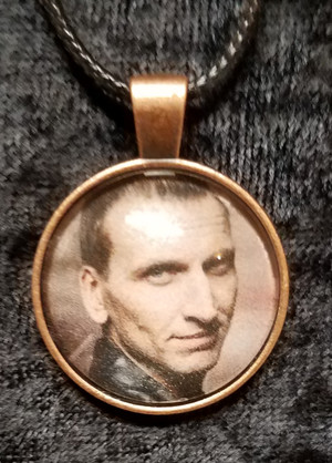Doctor Who - Christopher Eccleston - 9th Doctor (dome necklace)