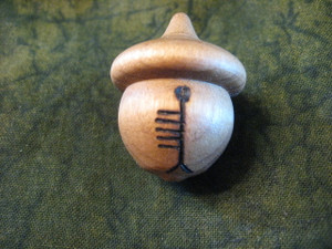Ogham Acorn - Quert/Apple