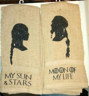 Hand Towel - Daenerys & Drogo